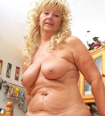 frau nackt geil alte frauen porn